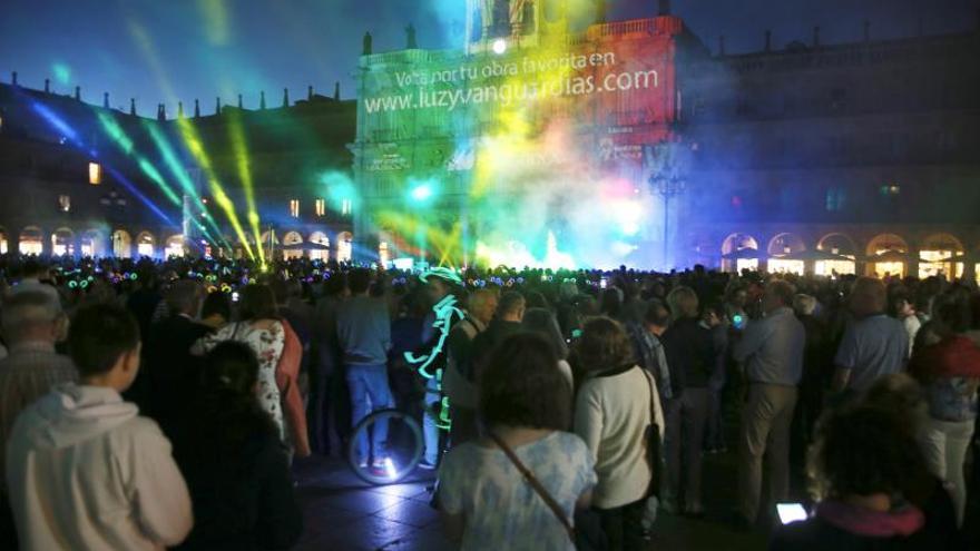 Salamanca pulsa interruptor que la iluminará con Festival Luz y Vanguardias