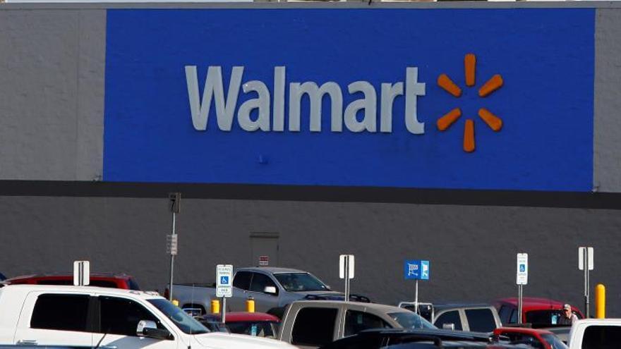 Walmart dejará de vender munición para armas cortas tras los últimos tiroteos