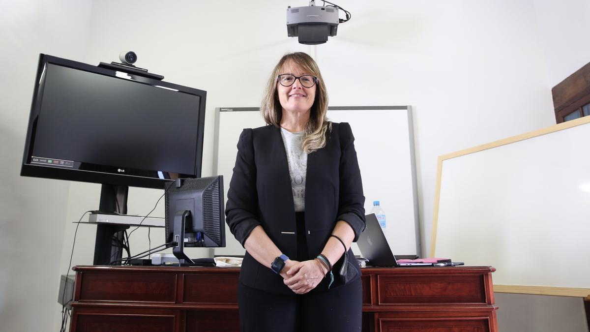 Dulce García, abogada que asesorará gratuitamente a los afectados por el volcán de La Palma en la Casa Massieu, en Los Llanos de Aridane.