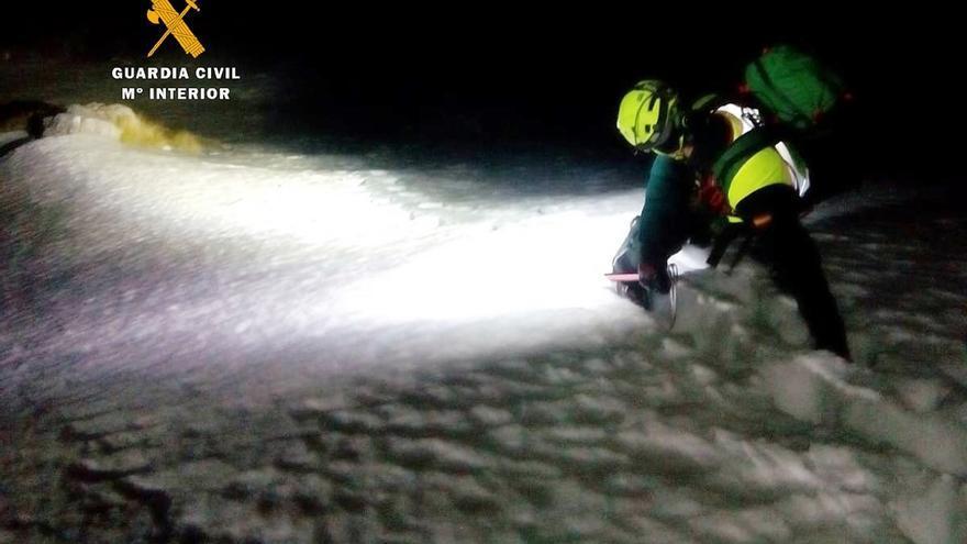 Muere un esquiador asturiano al despeñarse en Picos de Europa