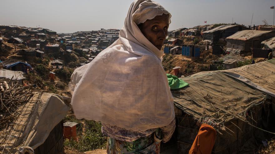 Una refugiada rohingya en el campamento improvisado de Jamptoli, donde viven más de 50.000 personas.