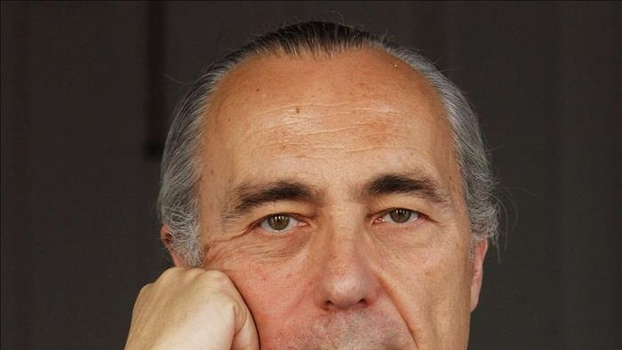 Luis Alberto de Cuenca fue Premio Nacional de Poesía por 'Cuaderno de vacaciones'.  