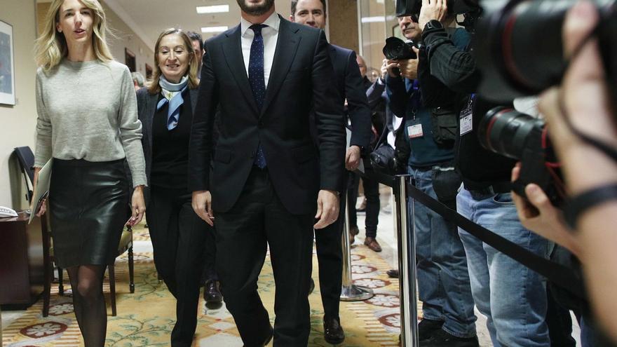 """Casado alerta, ante la reunión del PSOE con ERC, que más cesiones a Cataluña puede llevar a un """"Estado fallido"""""""