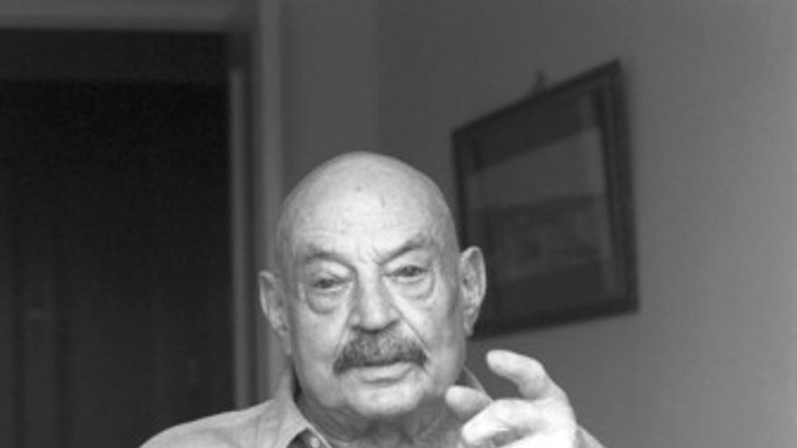 El poeta José Hierro