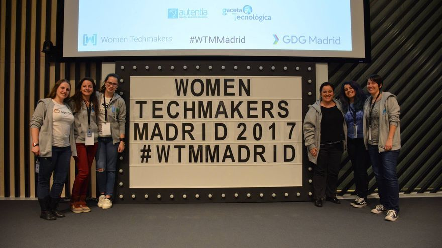 Organizadoras de la Women Techmakers Madrid 2017. Marta Lobo es la tercera por la izquierda (Imagen: cedida por Marta Lobo)