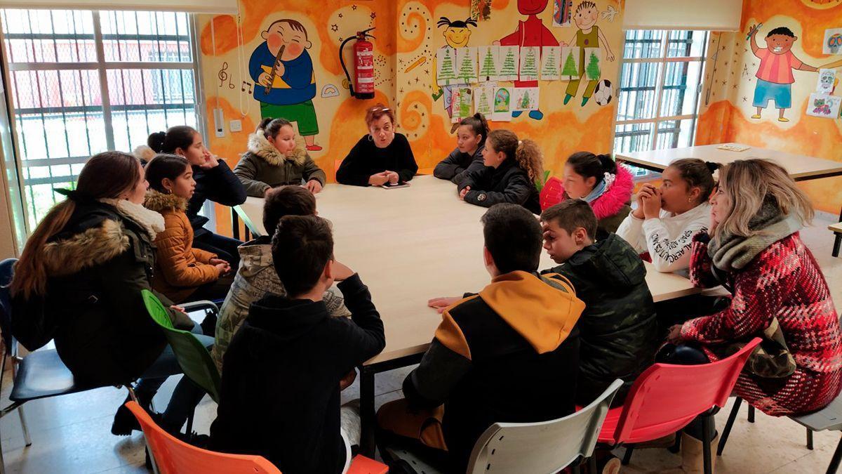 Integrantes de la Red Joven de Asociaciones de Estudiantes del Distrito Sur de Córdoba, en una de sus reuniones antes de la pandemia.
