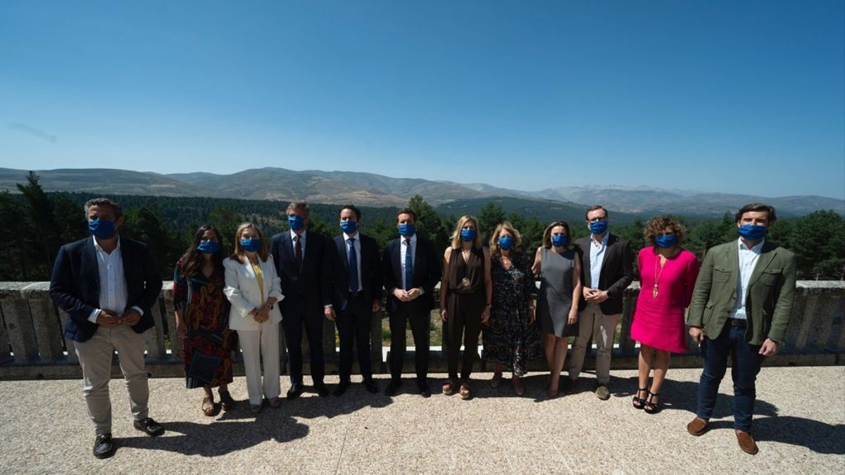La cúpula del PP el pasado miércoles, en el Parador de Gredos (Ávila).