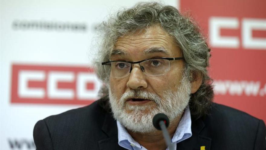 """CCOO y UGT: El Gobierno vende """"humo"""" cuando habla de acabar la jornada a las seis"""