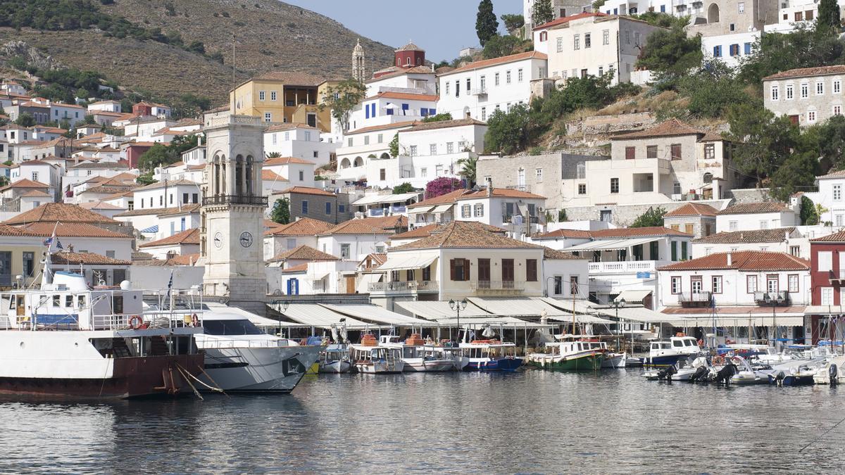 Palacetes en el puerto de Hidra. Esta isla fue una de las bases comerciales más importantes de las Islas Griegas.