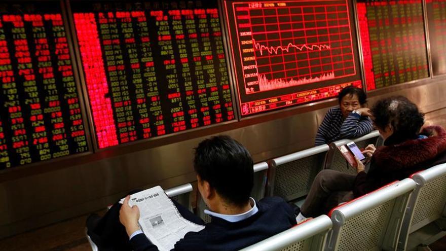 La Bolsa de Shanghái abre la sesión con pérdidas del 1,65 por ciento