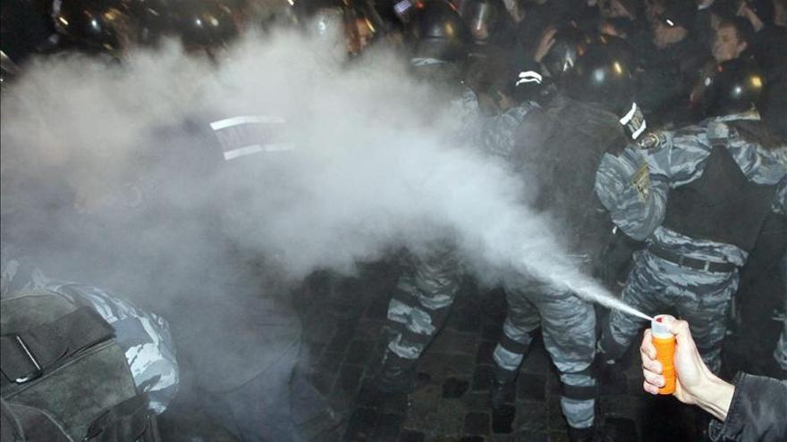 Policía y manifestantes ucranianos se acusan del uso de gases lacrimógenos