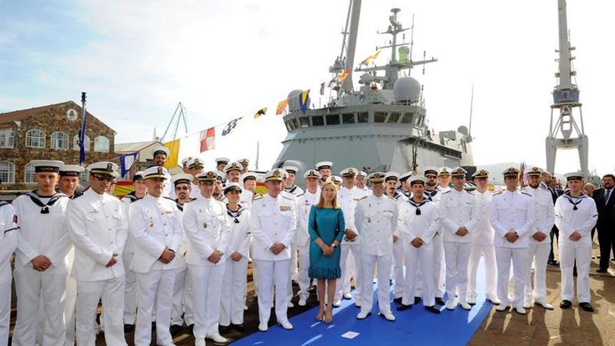 """Ana Pastor amadrina el """"Furor"""", que iniciará las pruebas para la Armada"""