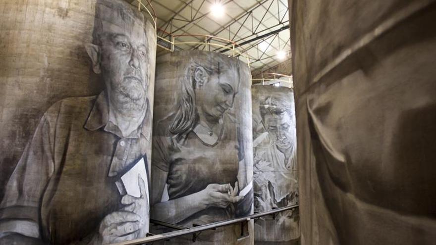 Los gigantescos murales de Guido Van Helten sobre el vino se abren al público