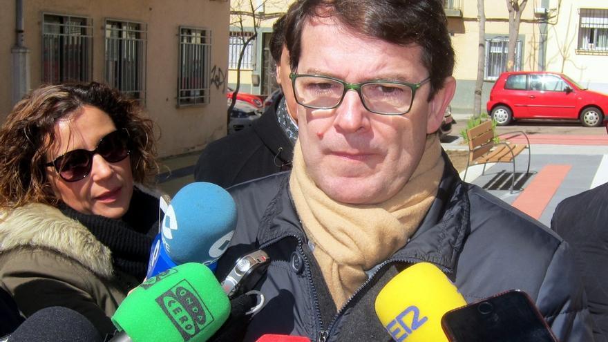 El alcalde de Salamanca cree que hay otros partidos tras las informaciones sobre la carrera de Pablo Casado
