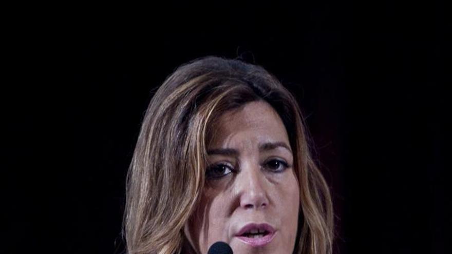 """La presidenta andaluza insta a Rajoy a """"recoger el guante"""" lanzado por el PSOE"""