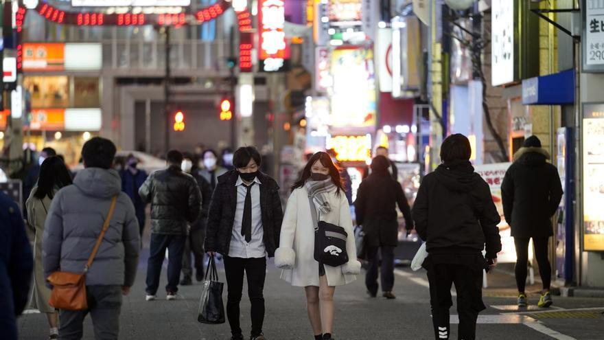 Japón levantará la alerta sanitaria en varias zonas pero la mantiene en Tokio