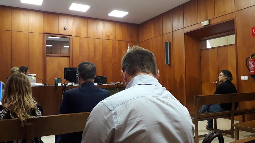 Fiscalía apoya la demanda del alcalde de Astillero contra el exportavoz de IU pero reduce la indemnización a 1.000 euros