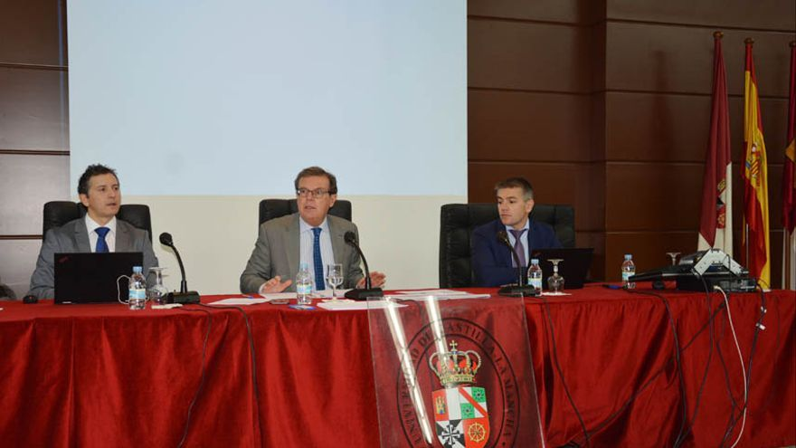 Reunión del Consejo de Gobierno de la UCLM, este martes