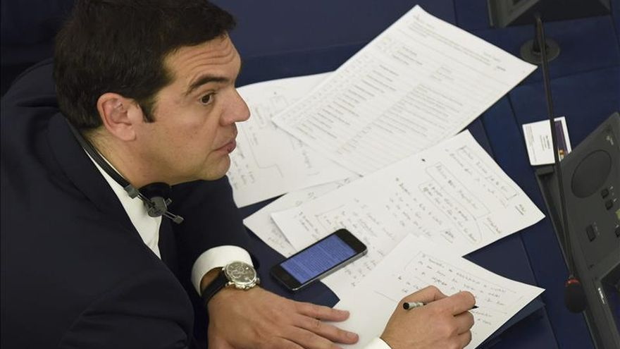 Moscovici asegura que la llave para evitar la salida de Grecia del euro la tiene Tsipras