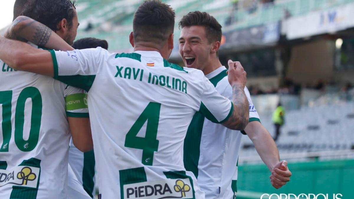 Jugadores del Córdoba celebrando un gol en El Arcángel