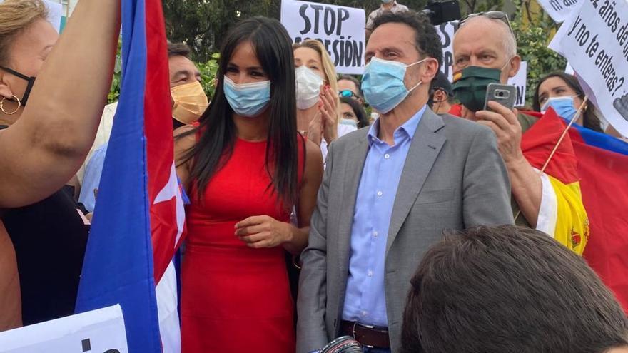 El vicesecretario general de Ciudadanos y portavoz en el Congreso de los Diputados, Edmundo Bal, ha acudido este miércoles a las protestas en Madrid contra el Gobierno de Díaz-Canel para mostrar apoyo a los ciudadanos cubanos.