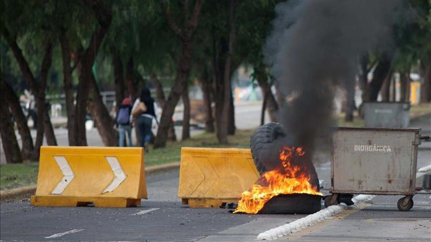 Gobierno mexicano lamenta imprudencia de policía que dejó un herido en UNAM