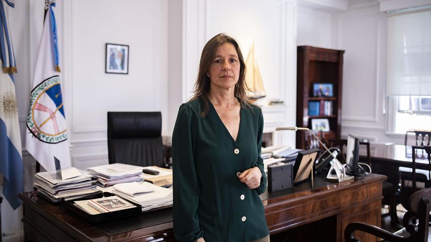 Sabina Frederic, ministra de Seguridad de Nación, en su despacho oficial.