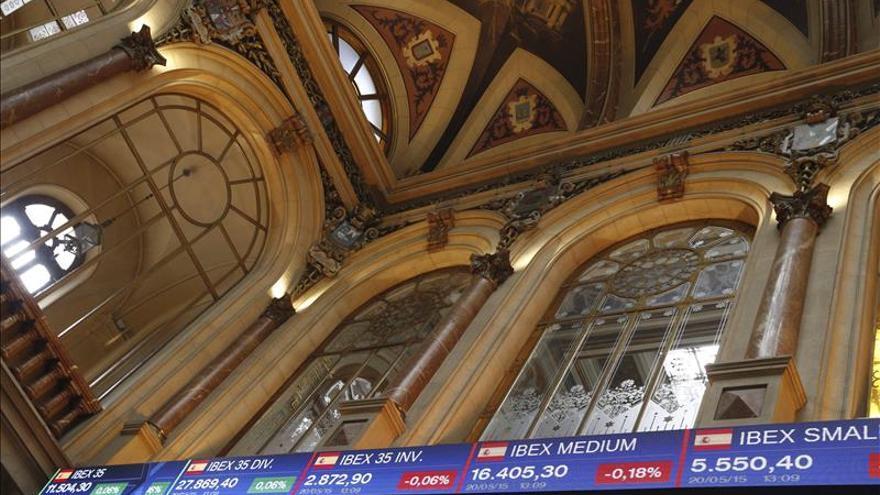 El IBEX se mueve con cautela y cae un 0,09 por ciento aunque sigue cerca de los 11.600