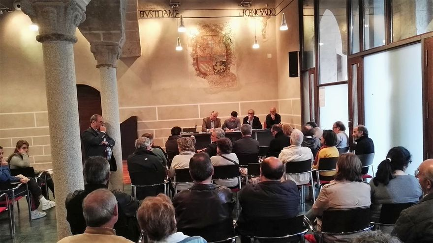 Reunión de la Plataforma en Defensa del Hospital Provincial