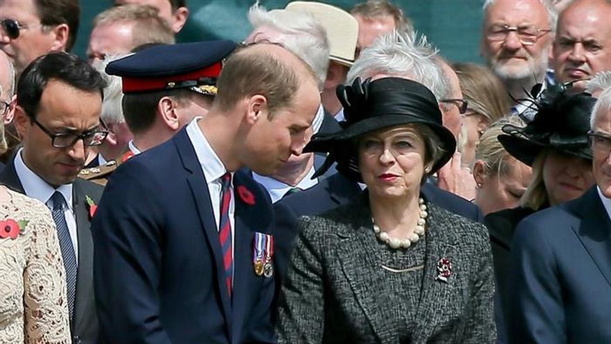 May y los duques de Cambridge rinden homenaje a los caídos de Passchendaele