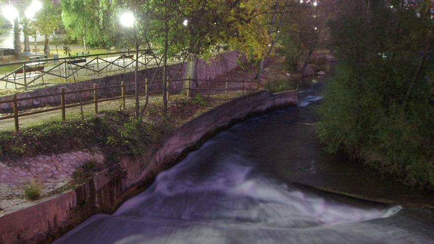 Río Júcar a su paso por Villalgordo del Júcar (Albacete) / Foto: Alejandro Navarro López | wikimedia