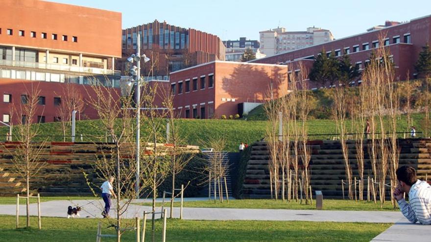 El Gobierno de Cantabria aprueba la reducción de los precios públicos en la UC el próximo curso