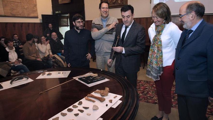 La cueva de Eirós podría tener restos paleolíticos más antiguos, según el equipo de expertos