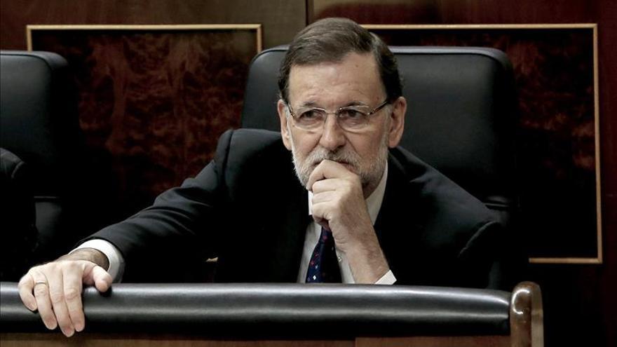 Rajoy reprocha a Sánchez no apoyar a De Guindos y dar sus votos a Podemos