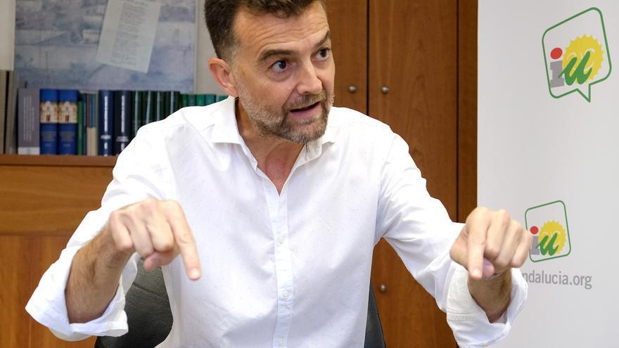 Antonio Maíllo durante la entrevista con eldiario.es Andalucía /Foto: Luis Serrano