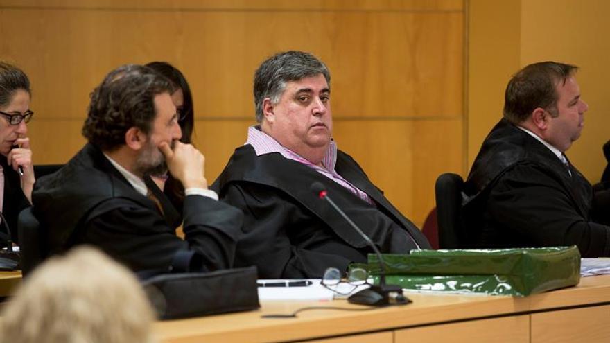 El empresario Evaristo González Reyes (c), uno de los principales inculpados del caso Corredor