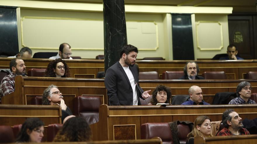 """Rufián recuerda a quienes critican sus formas en la comisión sobre Fernández Díaz que a él el PP le llamó """"gilipollas"""""""