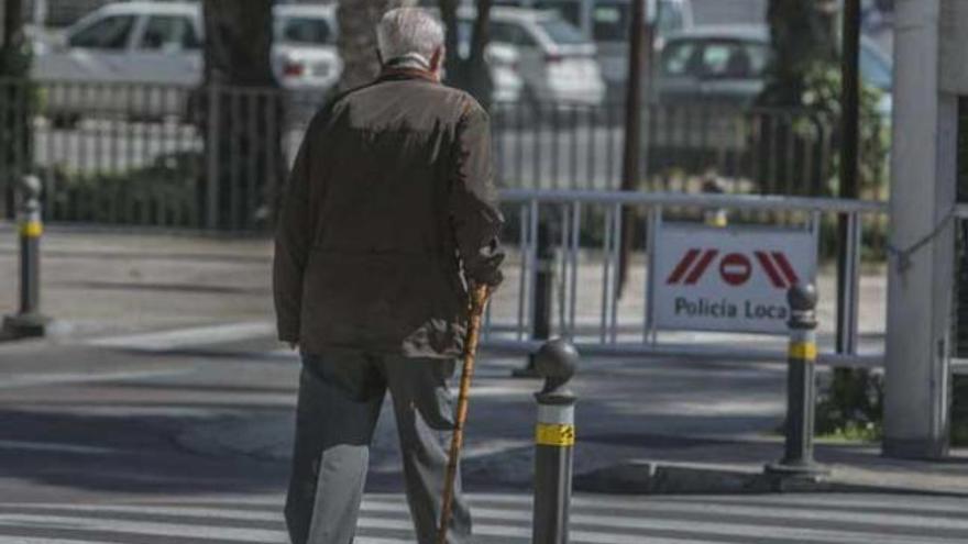 El número de pensiones crece en Canarias un 2,7% en el mes de diciembre. Efe