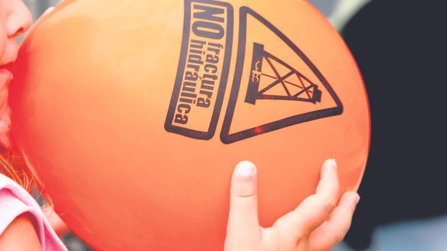 La Asamblea contra el fracking, que ha organizado diversos actos y protestas, mantiene activa la lucha contra la fractura hidráulica.