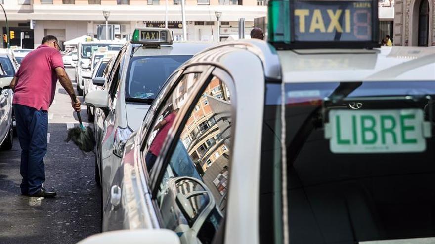 Las horas perdidas por huelga se duplican hasta noviembre por el taxi y Cataluña