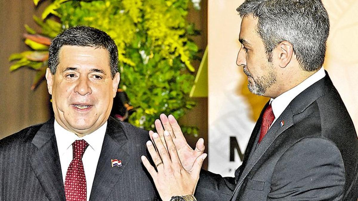 Horacio Cartes y Mario Abdo Benítez en marzo de 2018