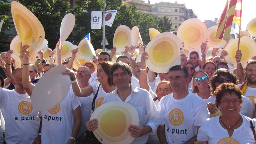 """Puigdemont comparte desde Salt (Girona) el 'latido' por una república catalana """"plural"""""""