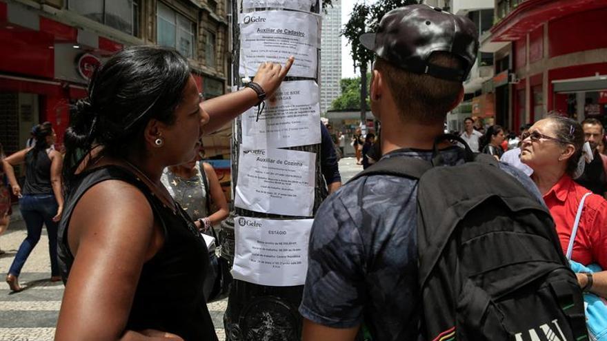 Brasil pierde casi 12.300 empleos en noviembre tras siete meses al alza