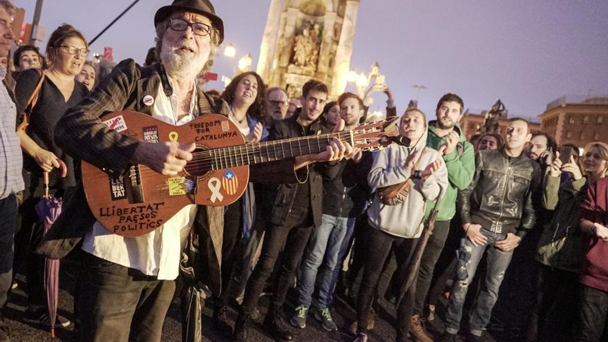 Francesc, el músico independentista que amansa las fieras.