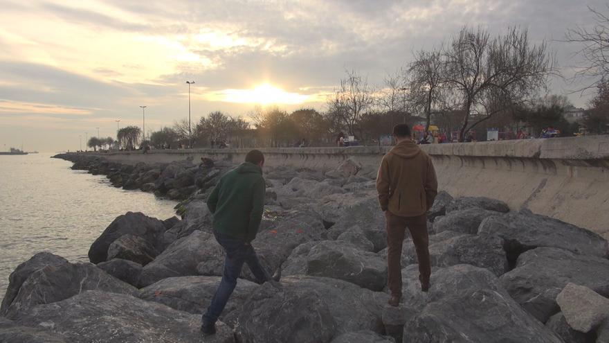 Mumtaz y Sanjar, dos jóvenes intérpretes afganos contratados por las fuerzas armadas de España./ L. M. H.