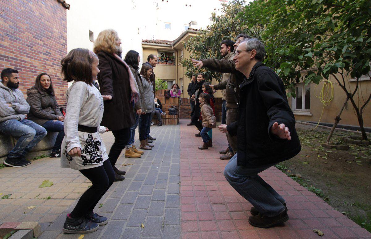 Aprendiendo a bailar el minué con Carpetania | RAQUEL ANGULO