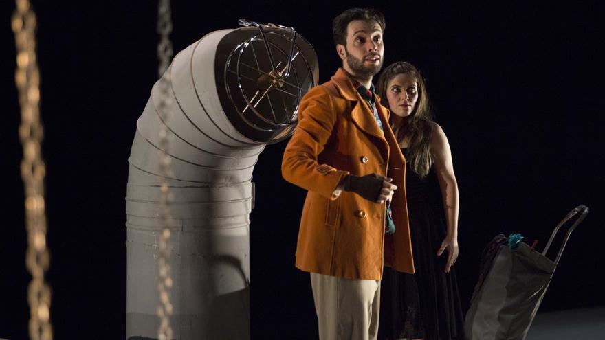 Un momento de la representación de 'El triciclo' de Fernando Arrabal en el Teatro Circo de Murcia