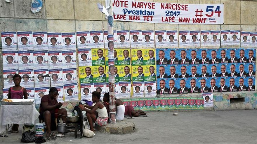 Abren los colegios electorales en Haití para elecciones generales