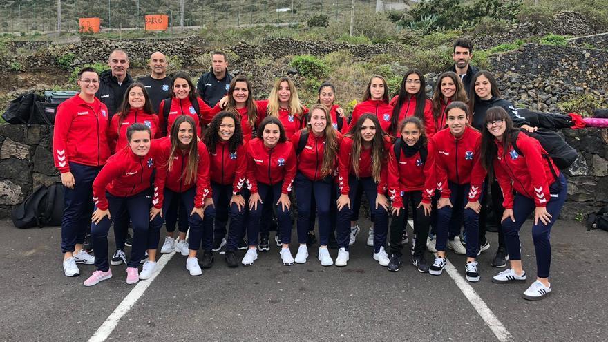 El CD Tenerife sénior femenino, en su reciente viaje a El Hierro.