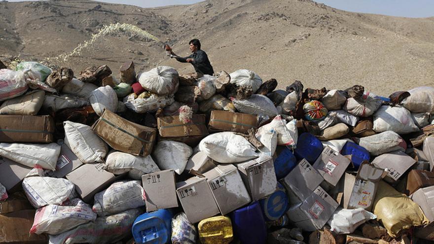 Quema de 25 toneladas de narcóticos organizada en 2012 por el Ministerio de Interior de Afganistán.